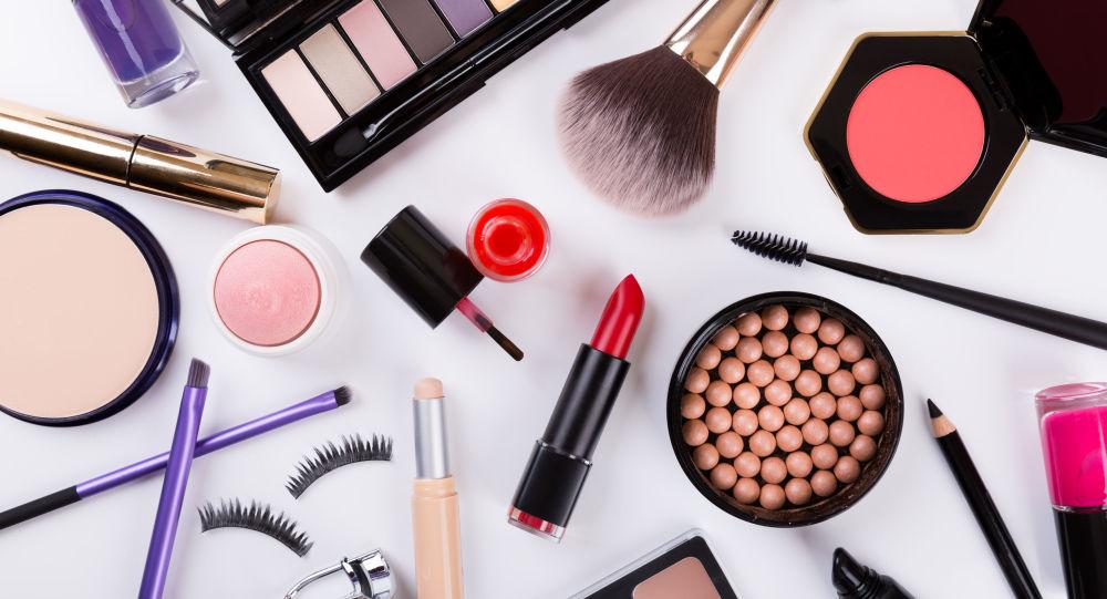 12 لوازم آرایش که برای آرایش عروس الزامی است